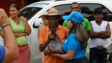 """Photo of Denuncian a la campaña de """"El Mello"""" Cotes de entregar 'mercaditos' a personas en el Departamento"""