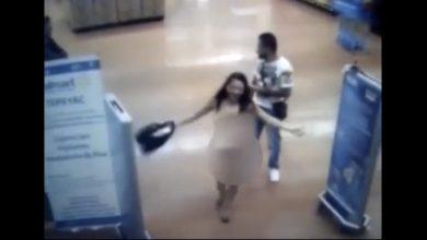 Photo of Mujer se encueró en un supermercado para demostrarle al guardia que no había robado nada
