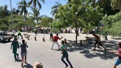 Photo of Grupo de vendedores ambulantes agredieron a personal de la Udep en El Rodadero