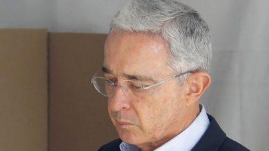 Photo of Álvaro Uribe sería el destinatario de chuzadas en el Ejército