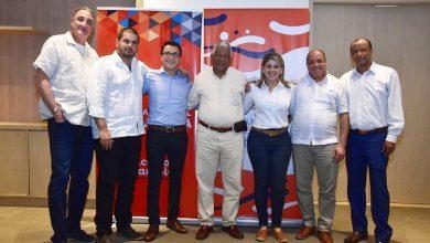 Photo of Polémica por reunión entre Carlos Caicedo y Virna Johnson con cooperación internacional integrada por Cuba, EE.UU y Suiza