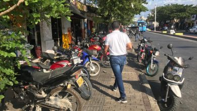 Photo of Alcaldía inicia lucha contra parqueo de motos en andenes