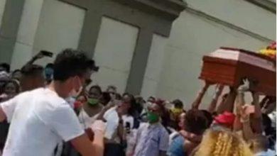 Photo of Hicieron de un entierro un Carnaval en pleno aislamiento obligatorio