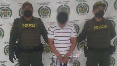 Photo of Le pegó a la mujer embarazada, lo capturaron y al rato quedó libre