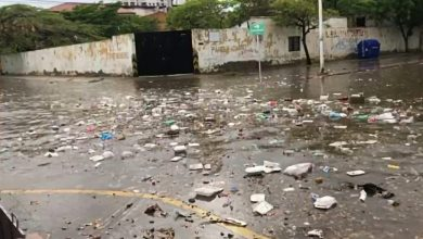 Photo of Un río de basura y tapabocas dejó el aguacero de hoy en El Rodadero