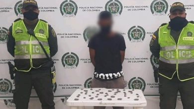 Photo of Lo pillaron en la cancha con 42 bolsitas de marihuana