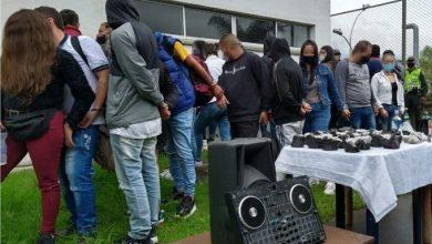 Photo of Capturan a 30 personas por participar en fiesta clandestina en Caldas, Antioquia