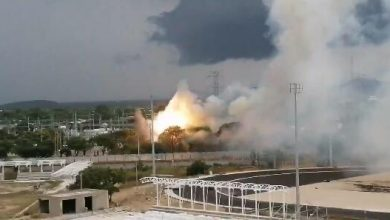 Photo of La caída de un rayo, habría sido la posible causa del voraz incendio en estación de energía en Valledupar