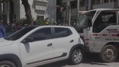 Photo of Camión se quedó sin frenos y causó choque múltiple en Santa Marta