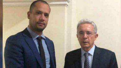 Photo of El abogado de Uribe llamado a juicio por falsos testigos