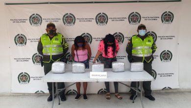 Photo of Capturan a dos mujeres con 13 kilos de marihuana en la vía Santa Marta – Barranquilla