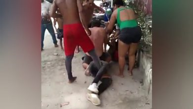 Photo of En video, así cogió la comunidad al ladrón de apartamento en Playa Salguero