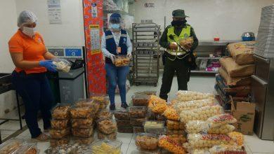 Photo of Durante visita de inspección a confiterías, hallan alimentos caducados