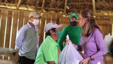 Photo of Vicepresidenta Ramírez dio positivo para Covid-19 y la critican por entregar ayudas sin tapabocas