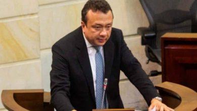 Photo of ¡Vuelve y juega! Senador Eduardo Pulgar, estaría implicado a presunta corrupción en sector salud