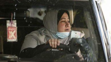 Photo of Nayla, la primera mujer palestina taxista en la Franja de Gaza