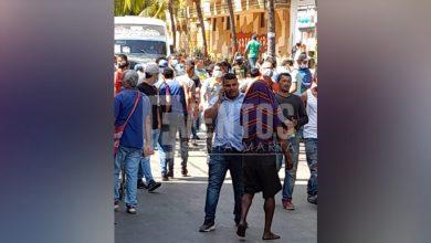 Photo of Lanzan granada en plena zona comercial de Barranquilla